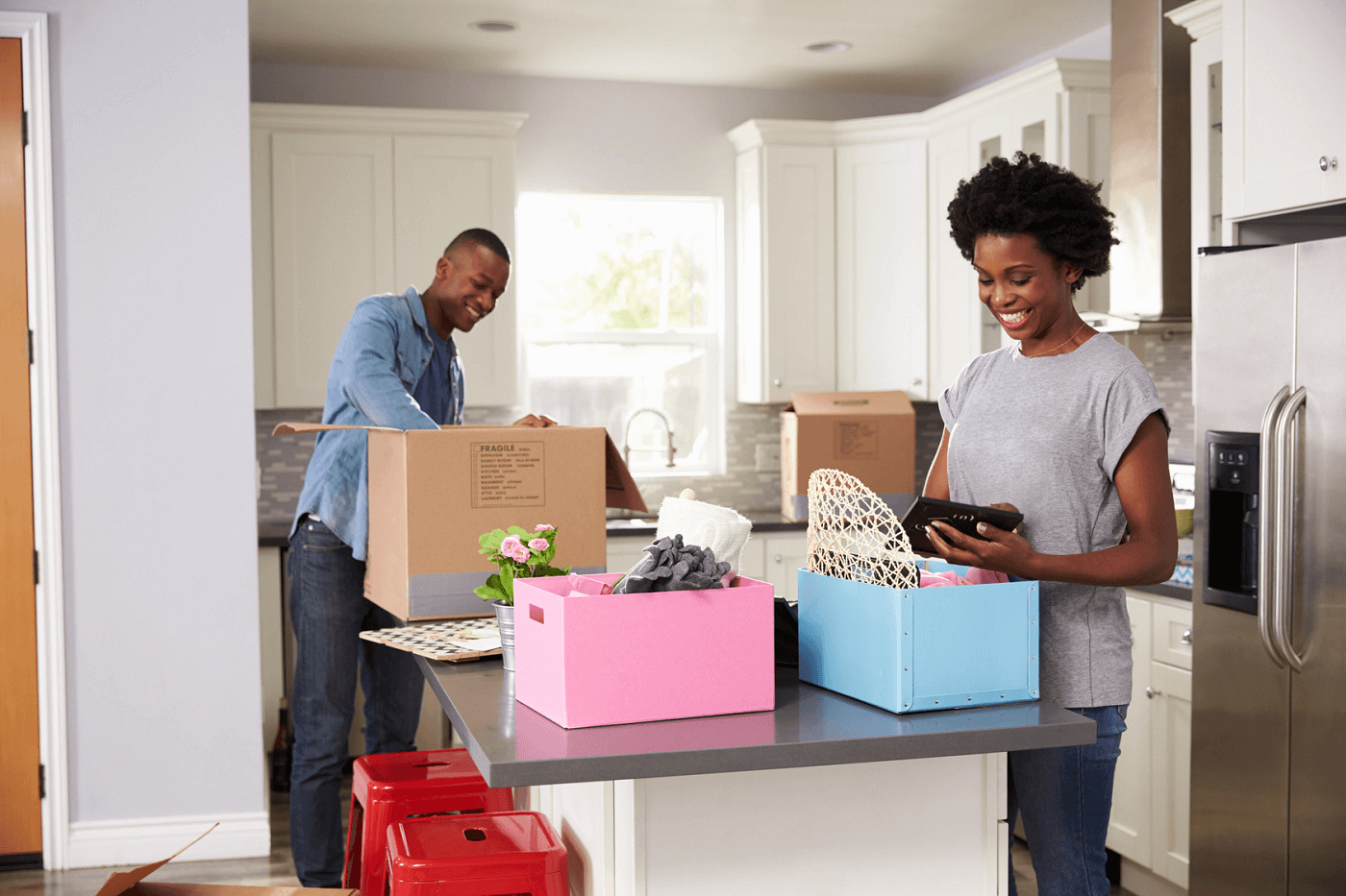 people-moving-into-a-rental-apartment